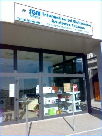 negozio di informatica ed elettrodomestici a staffolo